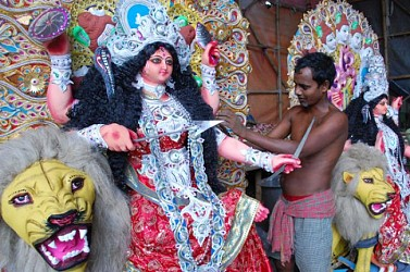 A clay artisan preparing idol of goddess Jagadhatri at Agartala. TIWN Pic Oct 29