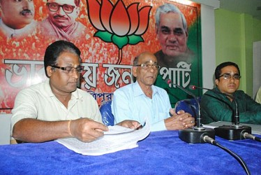 BJP state president Sudhindra Dasgupta interacting with the media persons at BJP office. TIWN Pic Oct 29
