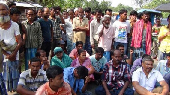 MGNREGA workers stage road blockade