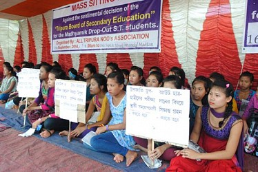Madhyamik Drop-Out ST students demonstrates a mass sitting rally.TIWN Pic Sept 16