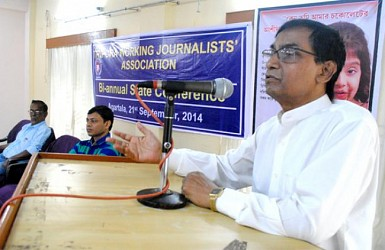Speaker Ramendra Debnath delivers speech on TWJA at Press Club. TIWN Pic Sept 21