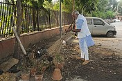 Writing about Clean India a service to nation: Modi