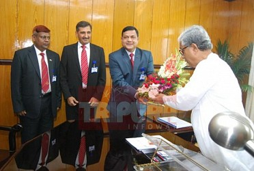 BGB-BSF delegates meet CM Manik Sarkar at Secreteriat. TIWN Pic July 27