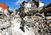 Italy holds day of mourning for quake victims