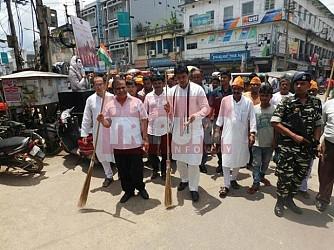 BJP conducts Swachh Bharat Abhiyan at Surya Chowmuhani. TIWN Pic June 23