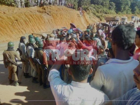 Road blockade at  Kalachara following Monday's violence