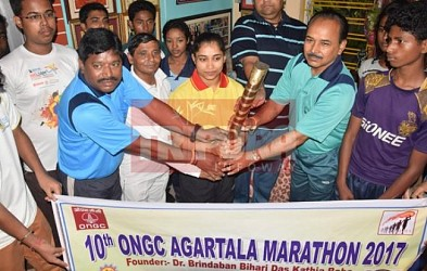ONGC handed over marathon baton to Dipa Karmakar. TIWN Pic April 28