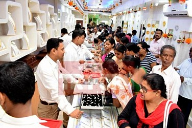 Akshaya Tritiya: Jewellery business on peak at Agartala. TIWN Pic April 28