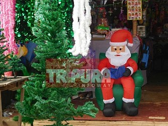 Preparation for X-Mas celebration on peak at Sakuntala market. TIWN Pic Dec 15