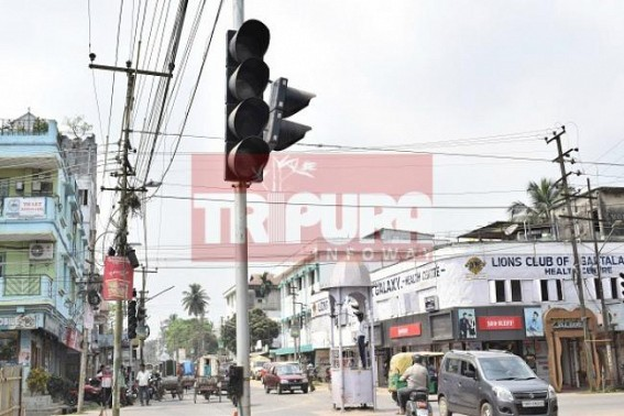 Traffic Police back on traffic posts as traffic signals are not working since 4 days