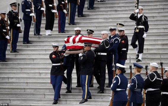 Bush Sr.'s coffin back in Texas for final farewell