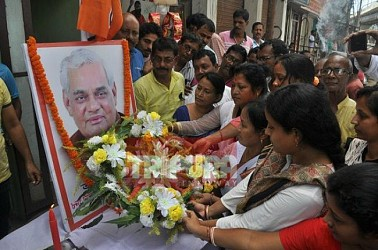 Tribute paid to former PM late Atal Bihari Vajpayee at Agartala by BJP. TIWN Pic Aug 17