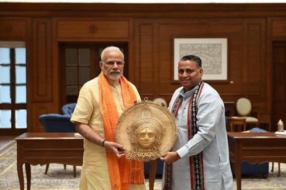 Sunil Deodhar meets PM Modi at New Delhi