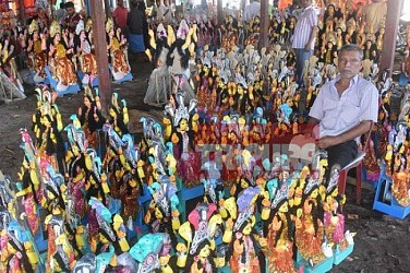 Selling of Manasa idols begins at Agartala ahead of Manasa Puja. TIWN Pic Aug 16