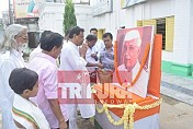 Tripura Congress pays tribute to first PM of India