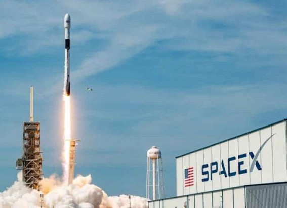 SpaceX to lay off 10% of workers