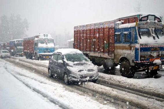 Jammu-Srinagar highway closed after fresh snowfall