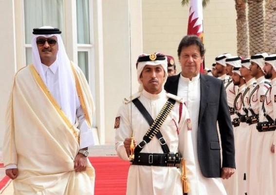 Imran Khan meets Qatari Emir in Doha