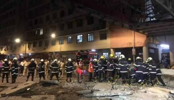 Mumbai bridge crash: 6 dead; BMC-Railways face heat