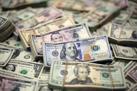 US dollar falls amid rising British pound