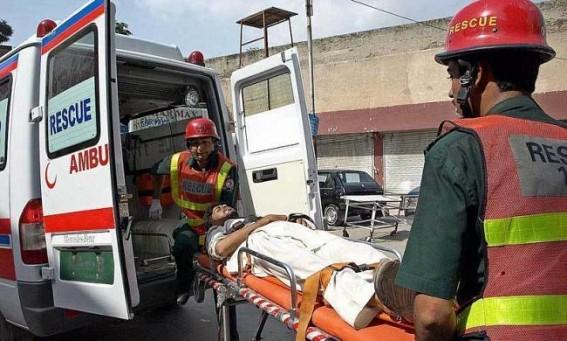 8 killed as passenger bus overturns in Pakistan