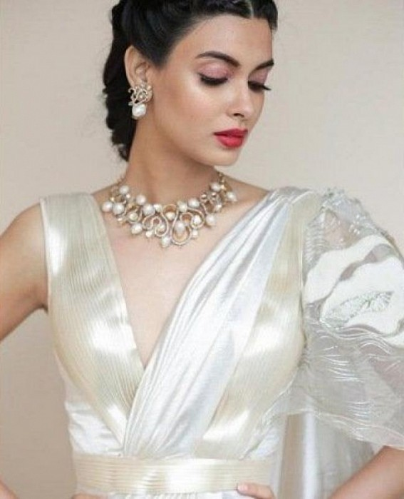 Diana Penty Sticks To The Roots With Her Impeccable Sculptural Sari