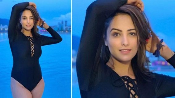 Hotness Alert! Naagin Actress Anita Hassanandani Slips Into a Hot Black Monokini for a Beach Holiday in Vietnam