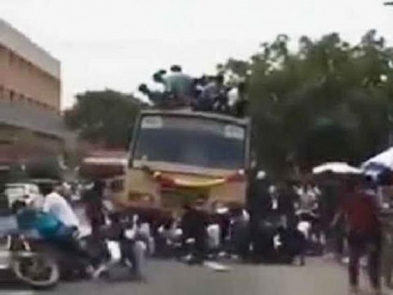 College students fall from bus roof in Chennai