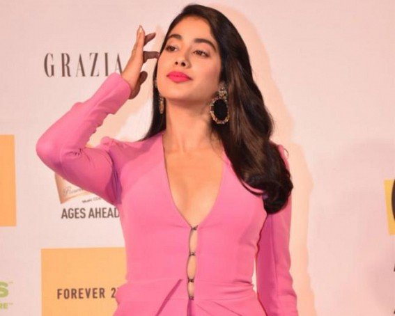 Why does Janhvi Kapoor call herself 'old fashioned'?