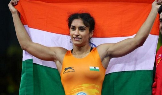 World Championship: Vinesh starts with crushing win