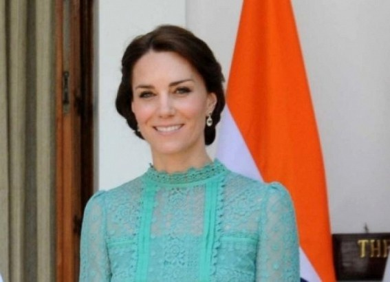 Kate dons traditional kurta on 1st day of Pak trip