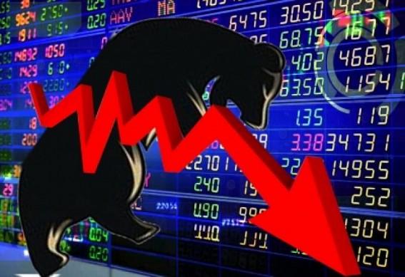Moody's upsets investors' mood, Sensex loses 330 pts