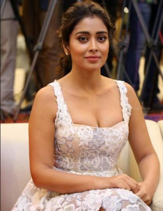 Shriya Saran to perform Kathak in music video