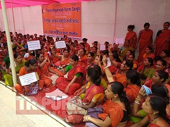 Anganwadi staffs staging protest at Agartala's Orient Chowmuhani. TIWN Pic June 21