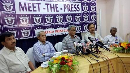 Bijan Dhar addressing in meet the press at Agartala Press Club. TIWN Pic March 24