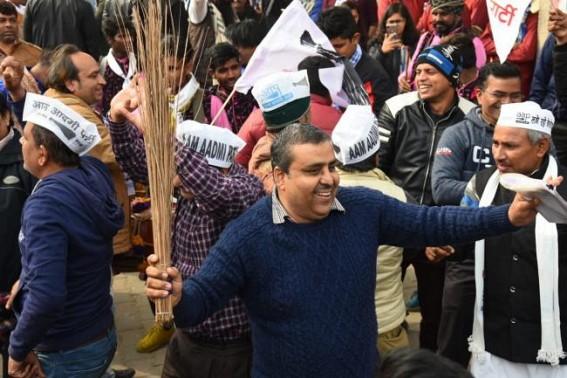 AAP drops Jitender Singh Tomar, wife given ticket
