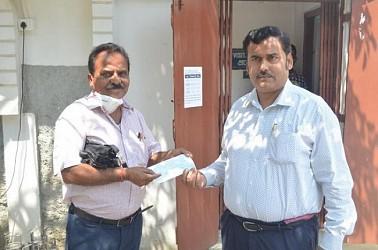 Public donate in CM relief fund to fight COVID-19. TIWN Pic March 28