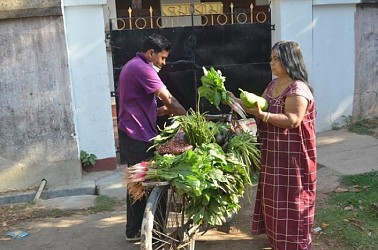 Moving vegetable shops promoted in Lockdown. TIWN Pic March 29
