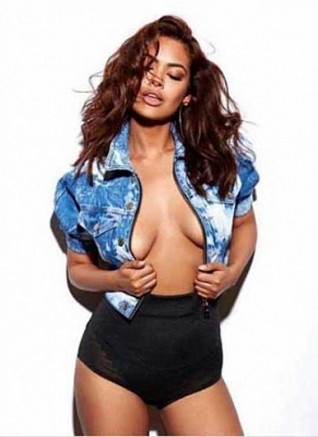 Esha Gupta's sizzling comeback on Instagram
