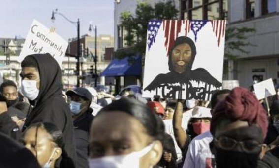 Two killed in Chicago during protests