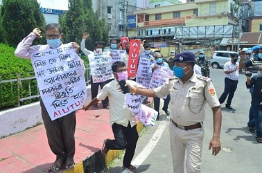 AIUTUC's protest stopped by Police in Agartala. TIWN Pic Aug 9