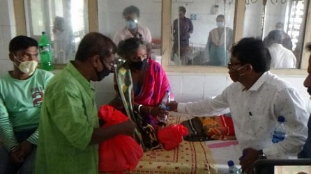 Uttarayan Sanga distributed food, fruits in Cancer Hospital. TIWN Pic Oct 25