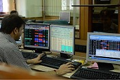 Global cues, positive macros push equities higher for 8th day in row