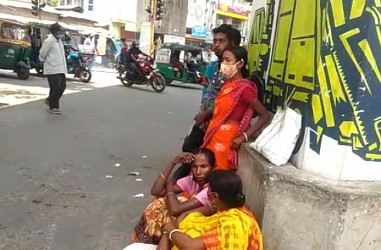 Daily Workers sitting workless in Battala, Agartala. TIWN Pic May 15